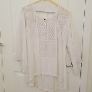 Free People white shirt/tunic. Beautiful!!